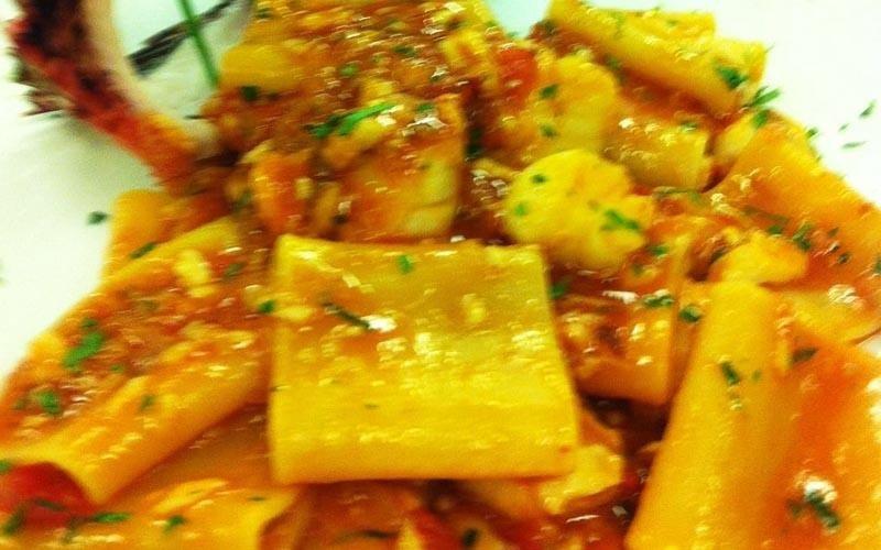pasta fresca con sugo di pesce