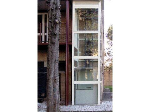 ascensore esterno