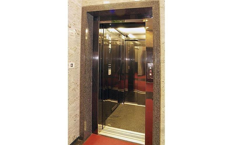 ascensore elegante