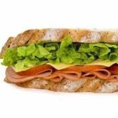 panini farciti, panini semplici, insalata e prosciutto