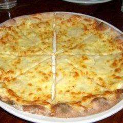 mozzarella, crema ai quattro formaggi