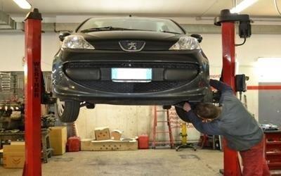 riparazione auto peugeot