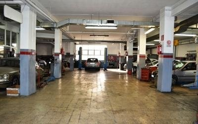 officina riparazione autoveicoli
