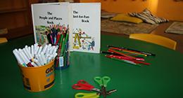 colori, pennarelli e forbici