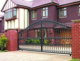 Derbyshire Gates & Railings - Derby, Derbyshire - Derbyshire Gates & Railings - Iron Gate