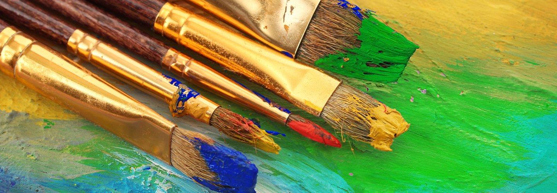 pennelli con vernice