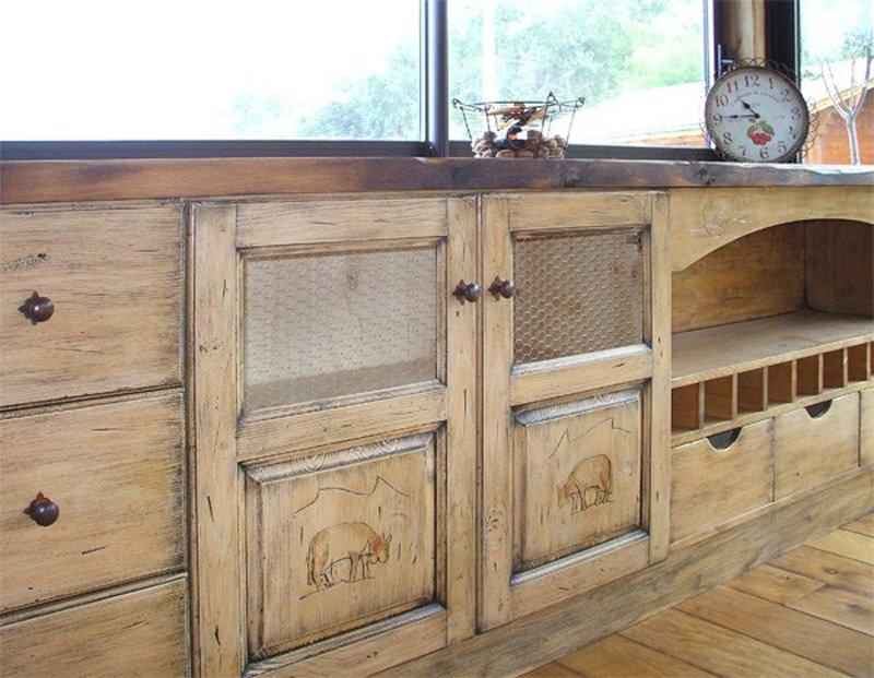 mobili della cucina in legno
