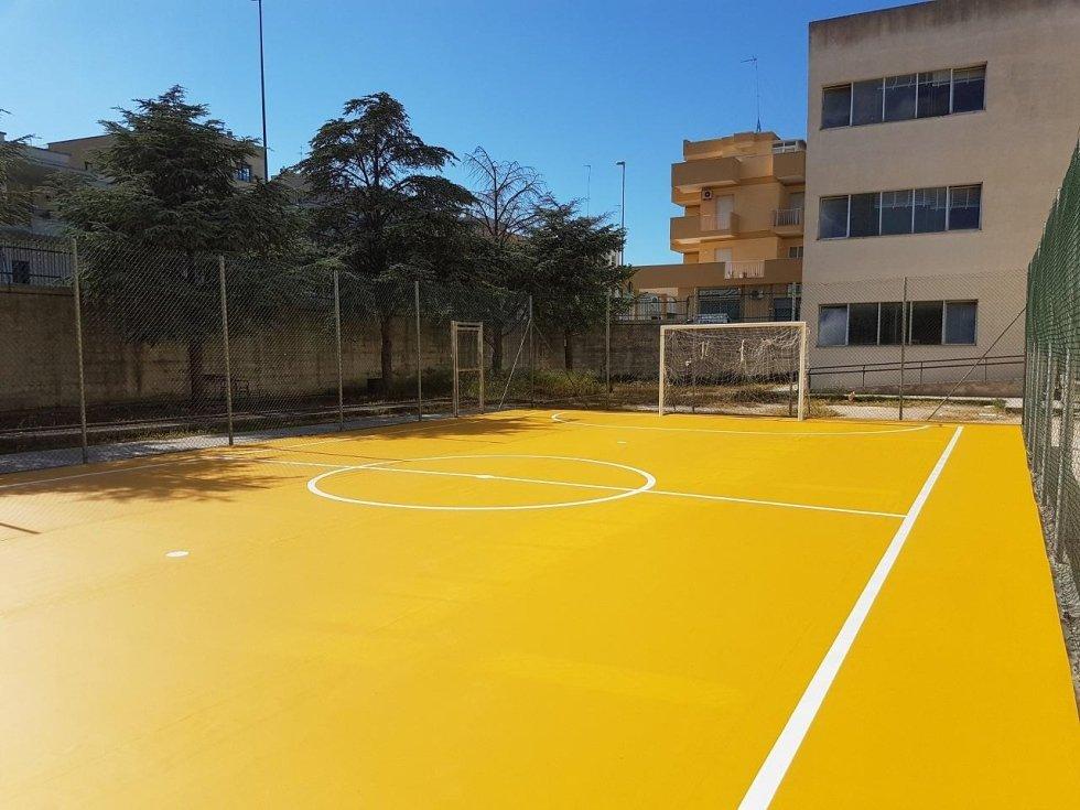 Edificio scolastico presso Maglie (LE)