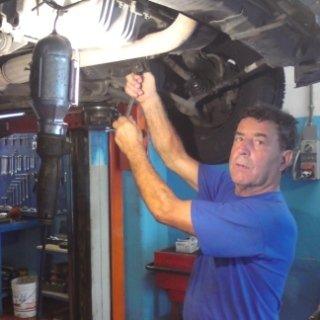 Autofficina Galletti, ricariche condizionatori auto, tagliandi, revisioni auto