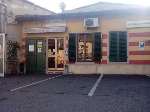 Centro revisioni auto moto scooter Fabrizio a Firenze