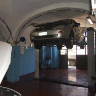 Autofficina Galletti, tagliandi in garanzia, revisioni auto, ricariche condizionatori auto