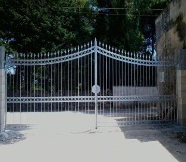 cancello in metallo, cancello in ferro, carpentieri
