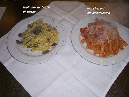 piatti di pasta in un ristorante
