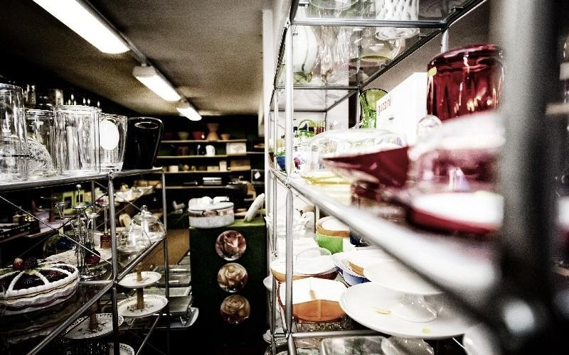 Scaffali negozio Luigi Vaccani
