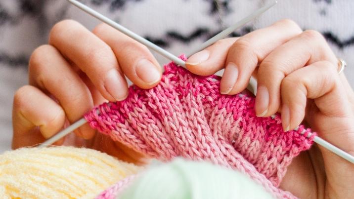 Knitting pink sweater