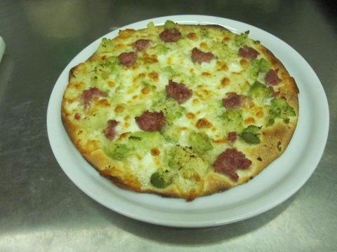 pizza broccoli e salsicia