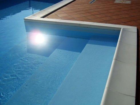 ingresso piscina con gradini