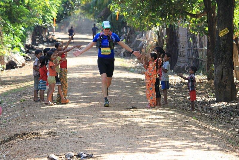 Dion Leonard Cambodia 220km 2015