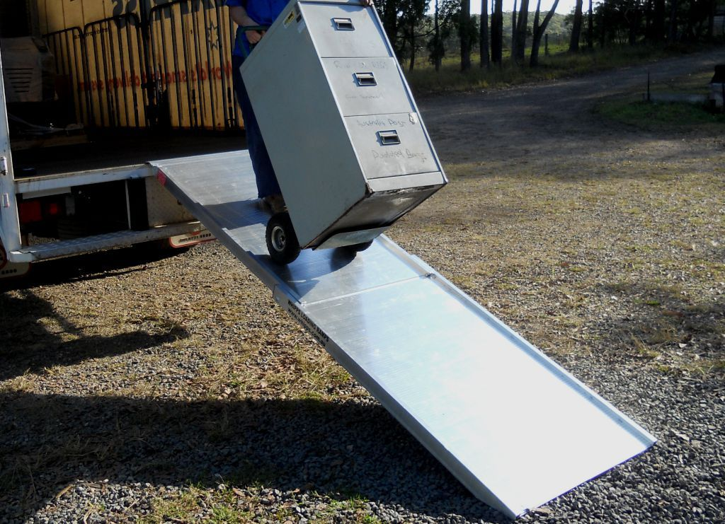 folding removalist ramp