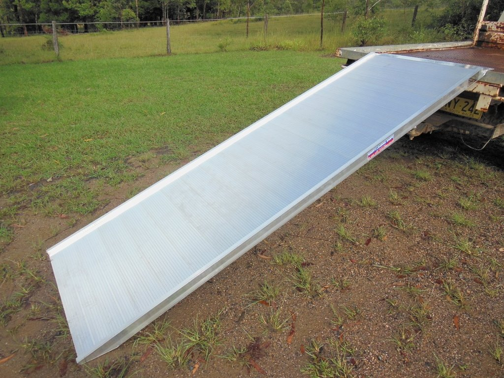 removalist loading ramp