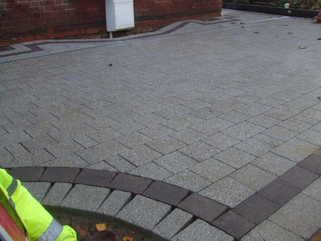 If you're looking for a paver in Redhill call 01737 772 890