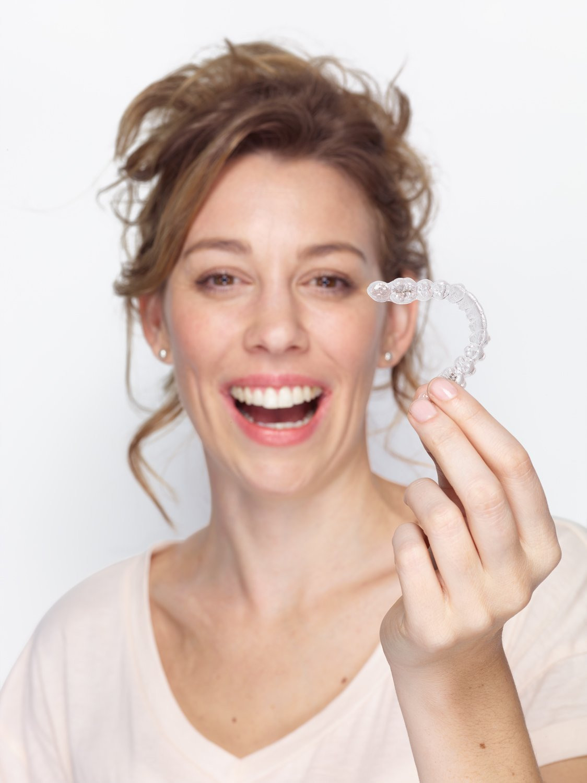 donna ivisalign trattamento mascherina
