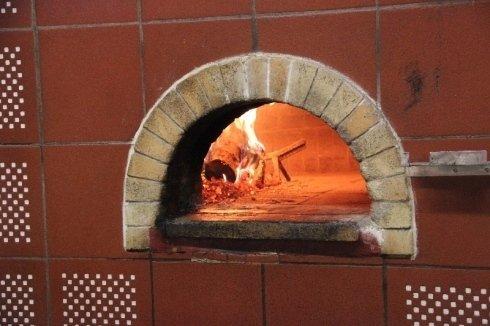 forno a legna, pizzeria, Prato