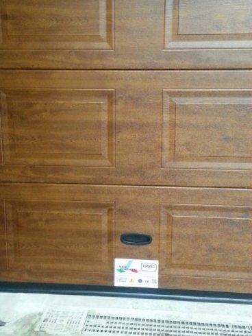 Sezionale in legno