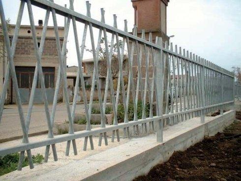 Realizzazione recinzioni in ferro su misura