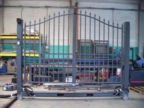 costruzione struttura autoportante per cancelli