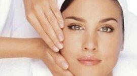 trattamenti olii essenziali per il viso