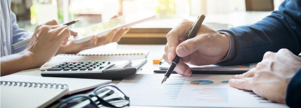 facility managers analizzano dati aziendali