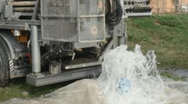 trivellazioni di pozzi artesiani, impianti per la trivellazione di pozzi d'acqua, pali