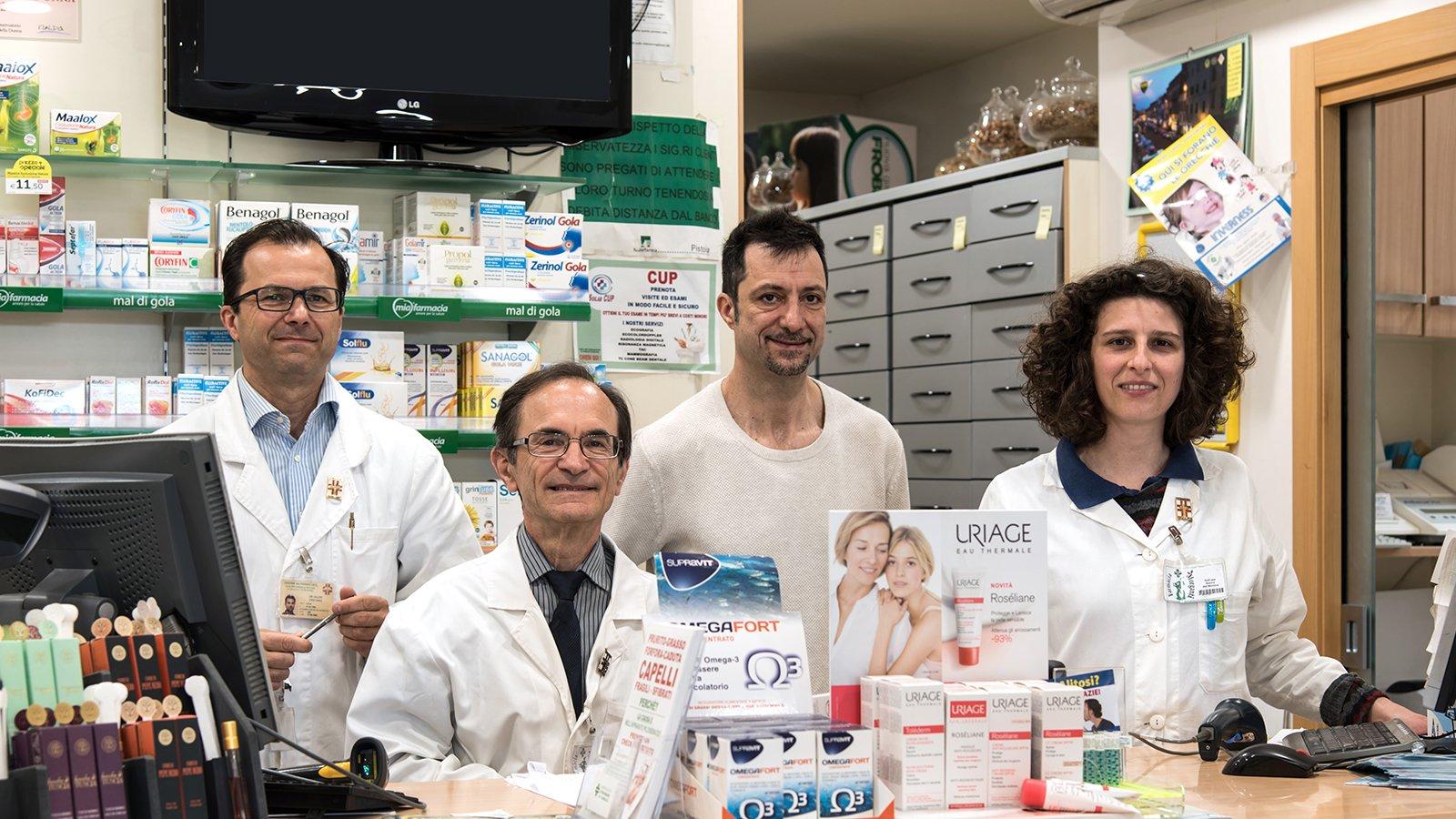 i funzionari di una farmacia