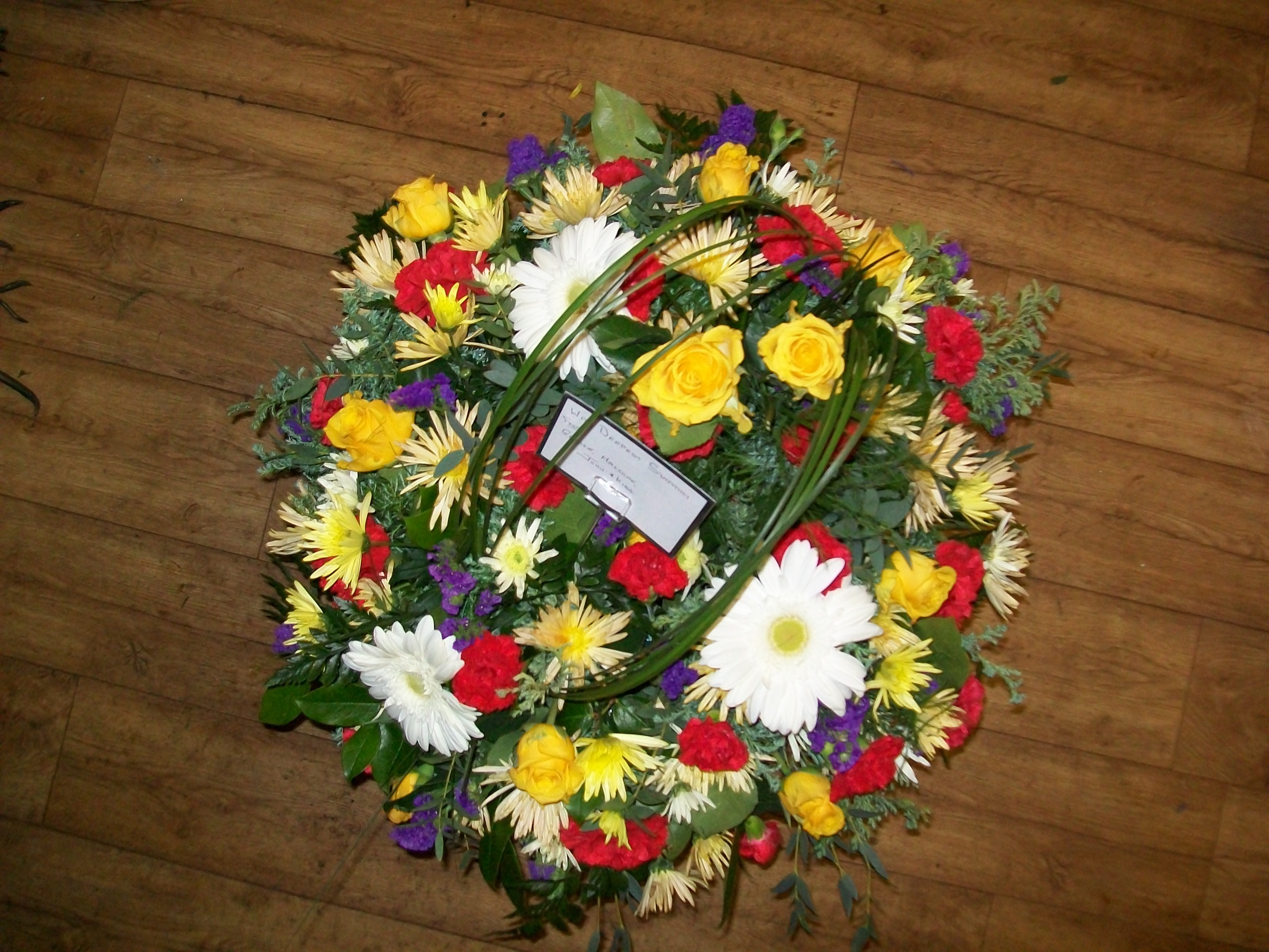 Customised funeral wreaths in dundrum express your heartfelt condolences izmirmasajfo