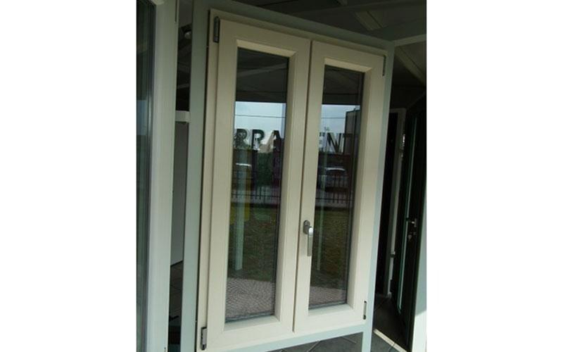 finestra in pvc su misura