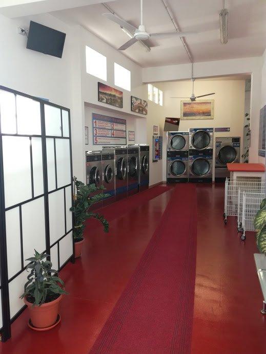 corridoio lavanderia