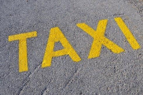 Servizio taxi con trasferimenti da e per discoteche