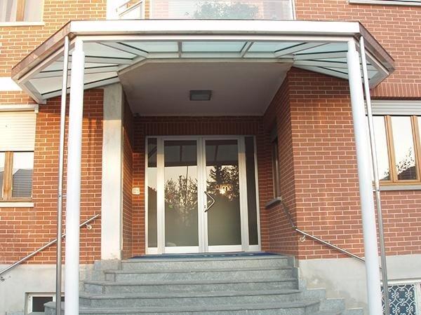 porta vetri per struttura privata