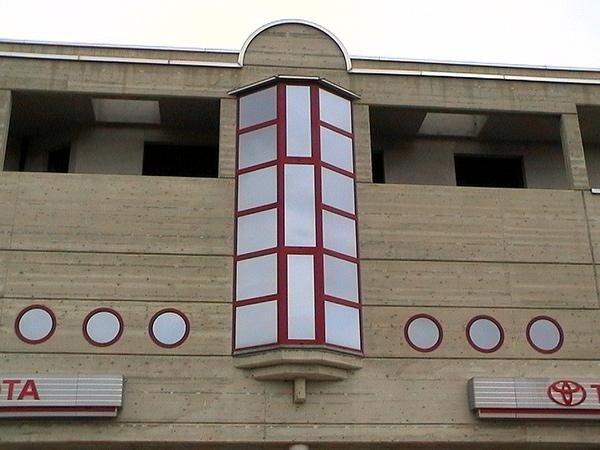 vetrata edificio architettura