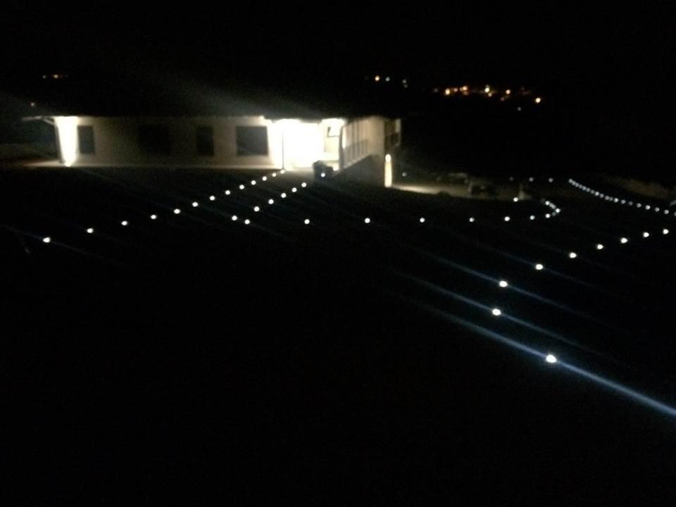 Vista dell'illuminazione notturna del cammino