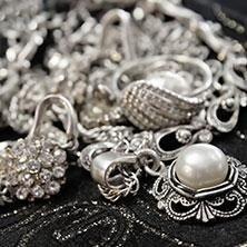 Monili in argento