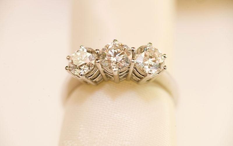 diamanti incastonati