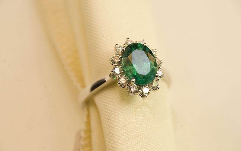 anello oro smeraldo