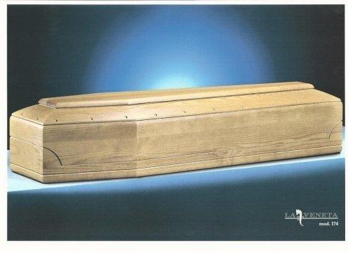 bara di legno di colore chiaro