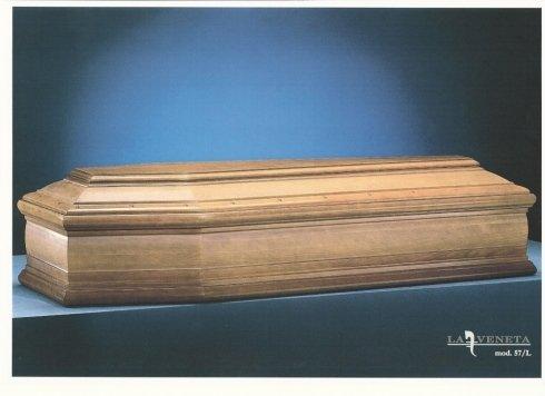bara di legno di colore mogano