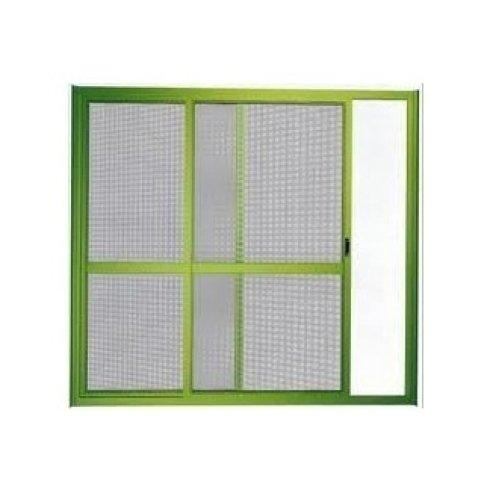 finestra verde con zanzariera