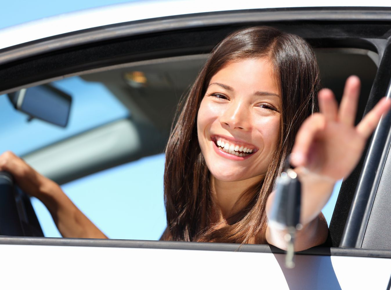 Woman is happy with the locksmith service in Lincoln, NE
