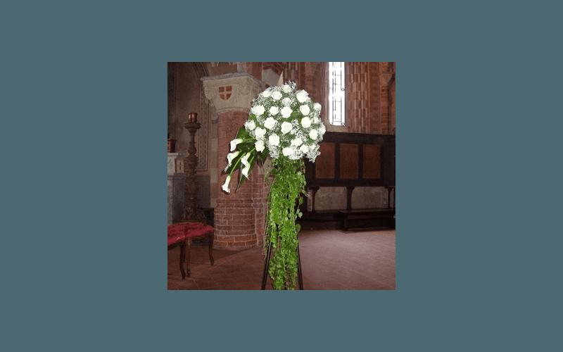 cespugli rose chiesa