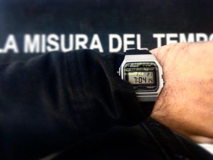 ricambio pila orologio Casio rivenditore bari watches luxury watches Swissline Swissair bari la misura del tempo